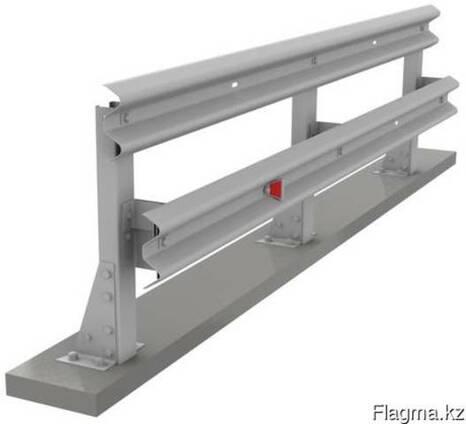 11МО Мостовые ограждения барьерного типа