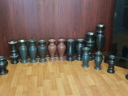 Граниные вазы
