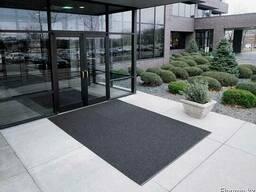 Грязезащитные покрытия, ворсовые ковры и резиновые покрытия