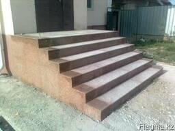 Каменные лестницы и ступени.