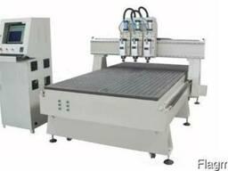 Китайские Фрезерно-гравировальный станок с ЧПУ 1300*2500 мм,