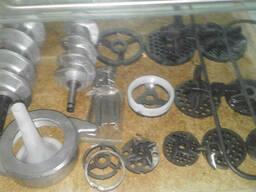 Комплект ножей и решеток к промышленной мясорубке МИМ300.