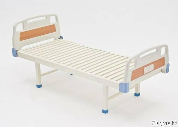 Кровать медицинская с пластиковыми спинками E-18
