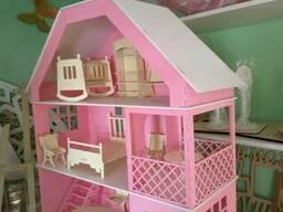 Кукольный домик с мансардой мебель