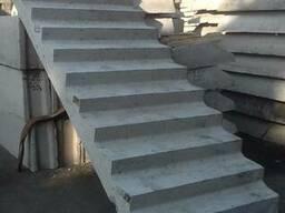 Лестничные марши ребристые с фризовой ступенью