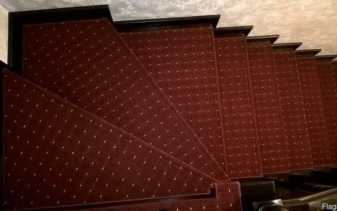 Противоскользящие Ковровые накладки на ступени. ковролин