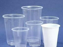 Одноразовый пластиковый стаканы в разных размерах