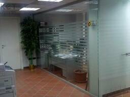Офисные стеклянные перегородки, двери, витражи. - фото 3