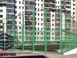 Ограждение спортивных площадок, зеленые