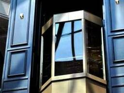 Панорамные лифты изготавливаются из противо-ударного (закале