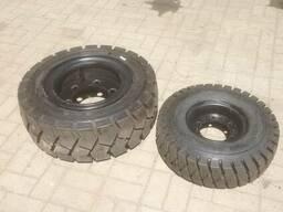 Пневматические шины с дисками и камерами на вилочный погрузч