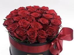 Розы в коробке. Свежие цветы. Низкие цены. Звоните!