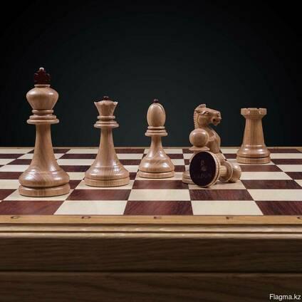 Шахматы Классические на темной доске