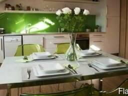 Стеклянные фартуки для кухни с рисунком без