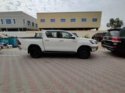 Toyota Hilux 2, 4L 4x4, Дизель, Механика, 3-х точечные ремни