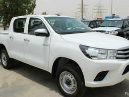Toyota Hilux DLX 2.4L Дизель, Автоматическая коробка передач