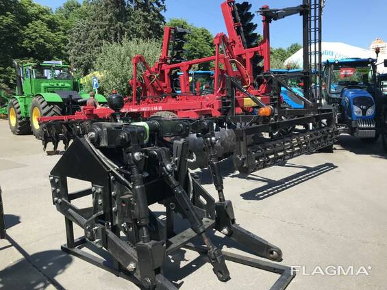Трехточечная навеска на трактор Buhler Versatile 2375
