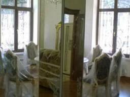 Установка зеркал на колонны. Монтаж зеркал всех размеров.