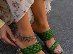 Зеленая женская обувь